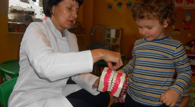 Wizyta pani stomatolog