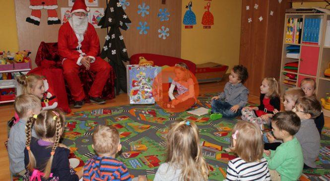 Wizyta Mikołaja w przedszkolu (VIDEO)