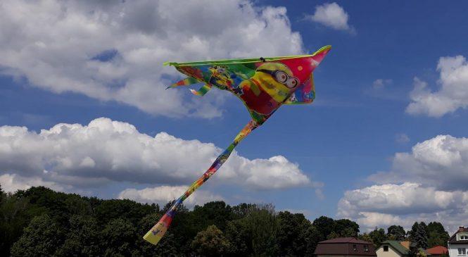 """""""W Krainie Wiatru"""" – zabawy badawcze z powietrzem"""