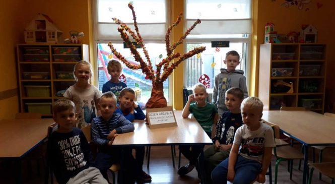 Jesienne drzewo – grupa Tygrysy